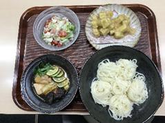 愛知県名古屋市の椙山女学園大学で徳島県阿波ふうど料理教室が行われた際に作った徳島県産食材を使った料理の写真です。