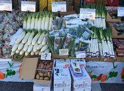 店頭の県産農産物